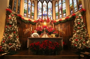 54327-church-altar-at-christmas